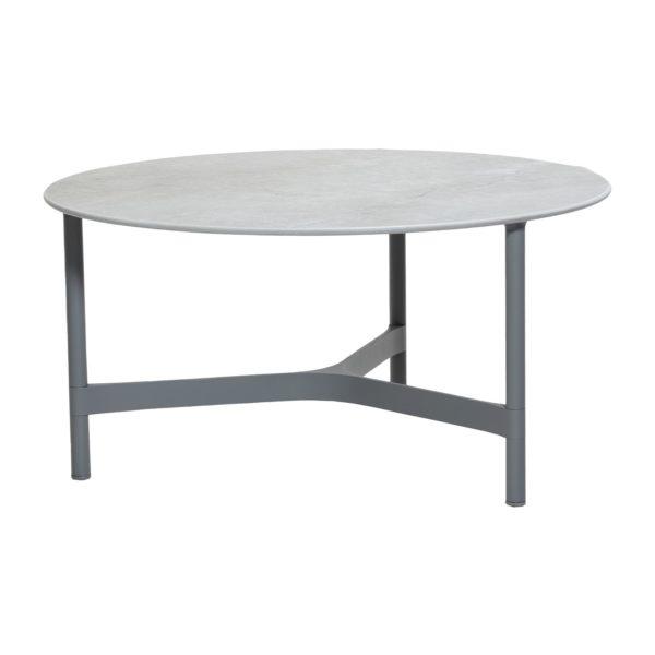 уличный столик